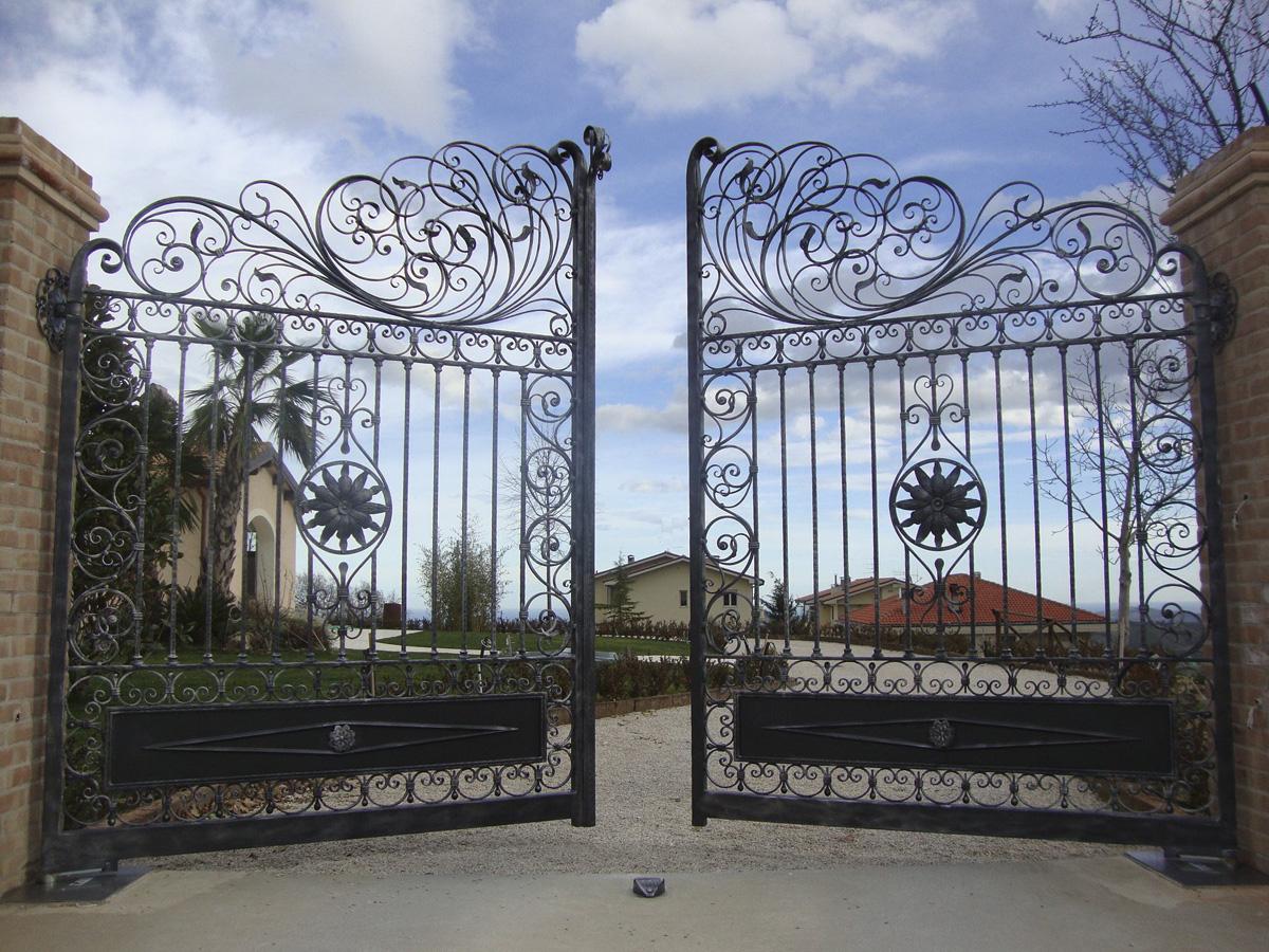 Cancello In Ferro Battuto Stile Liberty Area D